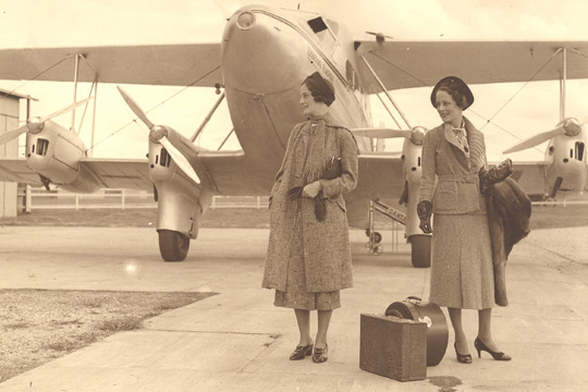 Travelling with Qantas 1930s Style